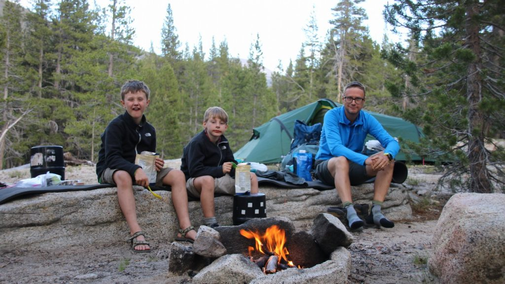 Camp in Lyell canyon