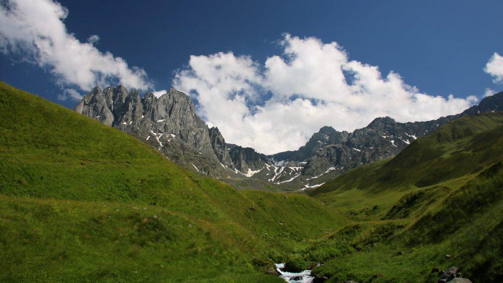 Mount Chaukebi in Sno valley
