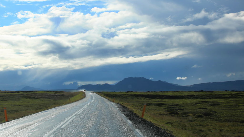 renting a 4x4 car and driving in Iceland takes you through beautiful scenery
